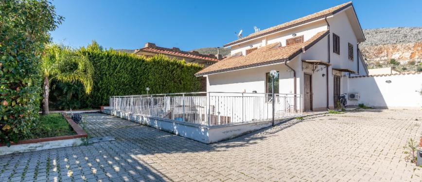 Villa in Vendita a Palermo (Palermo) - Rif: 27982 - foto 1