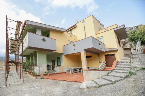 Villa in Vendita a Altofonte(PA)