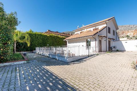 Villa in Vendita a Palermo(PA)